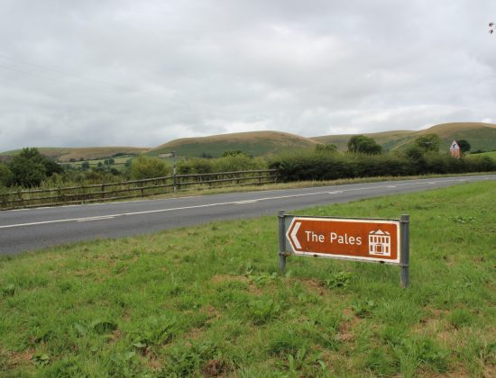 Signpost to The Pales